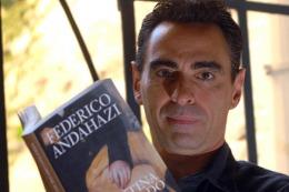 Andahazi retoma a personajes históricos y bucea en sus lados oscuros