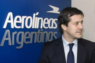 Aerolíneas Argentinas presentó la nueva flota de ómnibus para trasladar pasajeros en aeropuertos