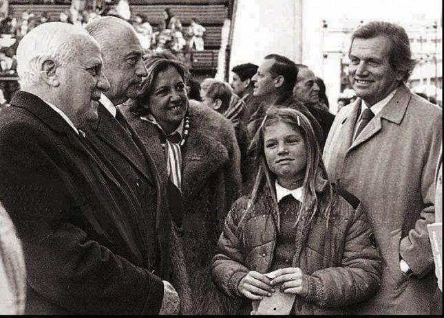 Máxima con su padre Jorge Zorreguieta en agosto de 1979 en Buenos Aires.