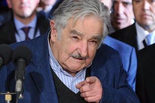 """Mujica envió un proyecto de ley de medios  audiovisuales para """"limitar la formación de los monopolios"""""""