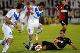 Vélez derrotó a Newell's por la ida de los octavos de la Libertadores