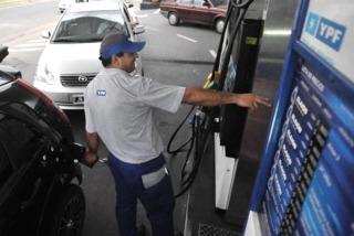 Combustibles: la reducción en los precios se verá en las estaciones el 2 de enero