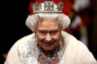 La reina Isabel II prometió proteger la