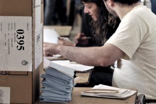 Con un 65 % de participación finalizó la elección municipal