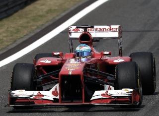 Alonso marcó el mejor tiempo en los entrenamientos libres de España