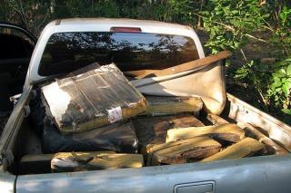 Secuestran más de una tonelada de marihuana oculta en una camioneta