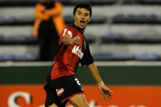 Newell's le ganó a Vélez y se clasificó a los cuartos de final del certamen