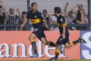 Boca iguala en Brasil con Corinthians y pasa a los cuartos de final