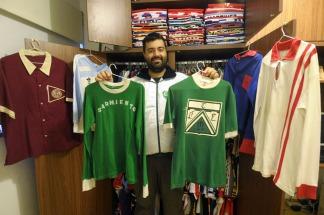 Un coleccionista que salvaguarda el patrimonio del fútbol argentino ... 559feb5141753