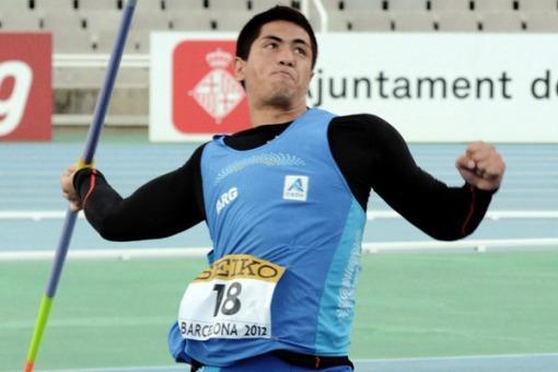 Brian Toledo en la final de jabalina en el Mundial de Beijing