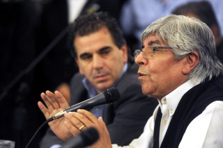 Moyano se mostró con dirigentes del PRO y no descarta un acuerdo