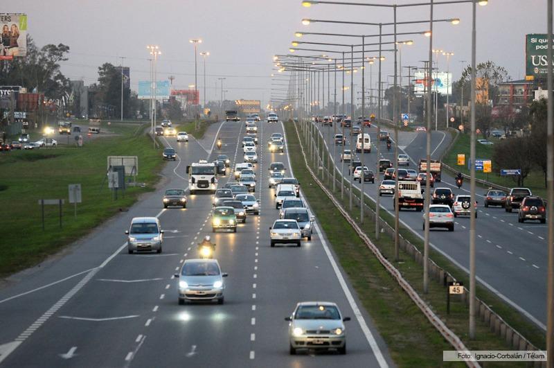 Demoras en el tr nsito en autopista 25 de mayo y for Benetton quedara autopista panamericana acceso oeste