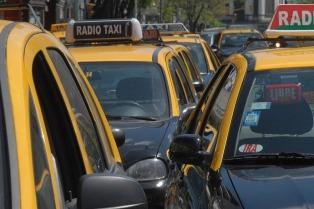El Banco Ciudad comenzó a distribuir posnets a los taxistas porteños