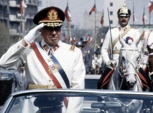 """Agentes de la policía secreta de Pinochet, condenados por la """"Operación Colombo"""""""