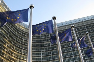 Comienza a trabajar en Bruselas el grupo de expertos contra las noticias falsas