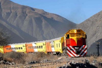 Siete trenes tur sticos invitan a lugares plenos de for Las ultimas noticias del espectaculo argentino