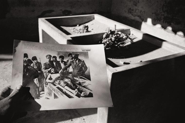 """Foto de """"Exhumación"""""""