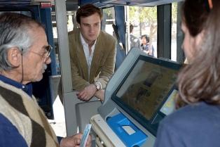 El código de las máquinas de voto electrónico filtrado en la web es el oficial, confirmaron especialistas