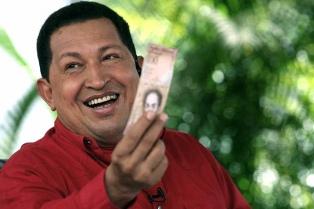 Liberaron a la enfermera y al custodio de Chávez y deciden si los extraditan