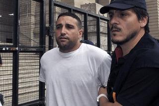 Condenan a seis meses al líder de la barra de Boca pero sin afectar su libertad