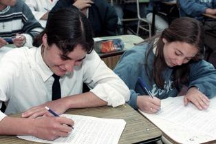 20.000 alumnos arrancaron primer año secundario en CABA