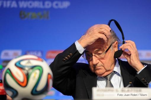 """Echegaray irá a la FIFA por la """"transparencia"""" en los pases de los jugadores"""