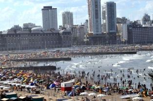 """Esperamos una temporada """"brillante"""" en Mar del Plata, aseguró el intendente"""