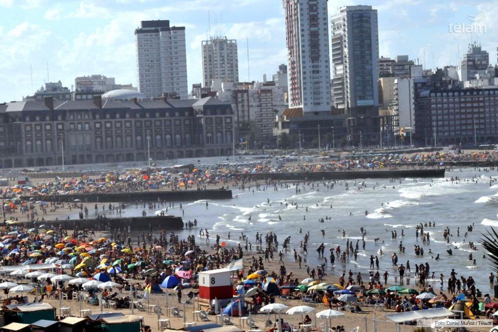 Las altas temperaturas invitaron a turistas y marplatenses a colmar las distintas playas