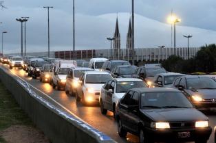 Un agente de Prefectura mató a un automovilista en una discusión en la autopista Illia
