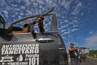 Michoacán y Guerrero: 21 muertos y 53 policías separados por posibles vínculos narco