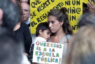 """Recalde afirmó que """"nunca dejaría 5.000 chicos sin vacante en el colegio"""""""