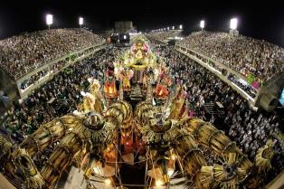 """Mangueira venció en el carnaval de Río con """"la historia que la historia no cuenta"""""""