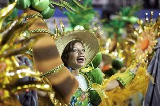 Unas 250 mil personas salieron las calles de Río para celebrar la llegada del carnaval
