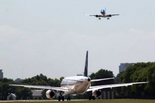 El Gobierno autorizó a tres empresas low cost a operar vuelos