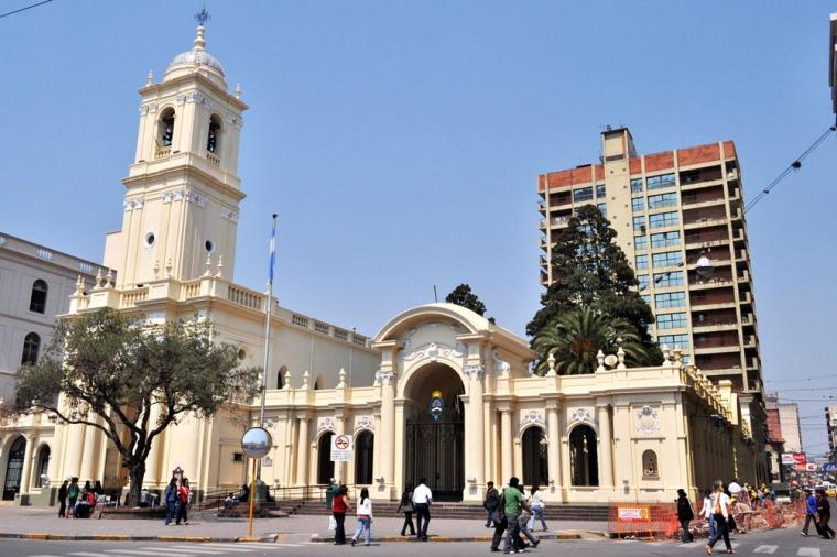 Los edificios hist ricos son uno de los atractivos for Bazares calle jujuy
