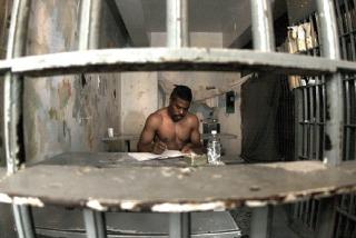 Los extranjeros reciben en EEUU mayores penas de prisión que los nativos