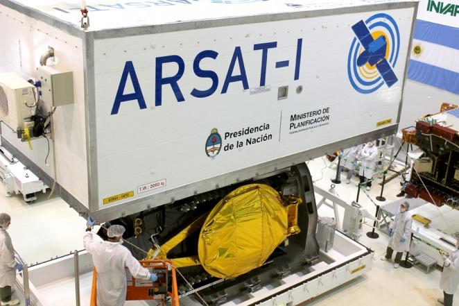 """""""El pueblo argentino debe sentirse orgulloso por los cientificos que desarrollaron el Arsat1"""""""