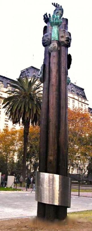 Monumento por las víctimas del bombardeo a Plaza de Mayo