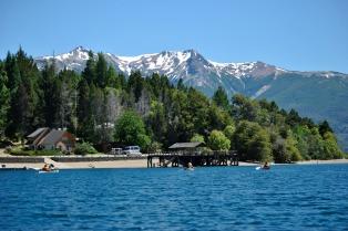 Los paseos en kayak por el Parque Nacional Los Alerces atraen cada vez con más fuerza a los turistas