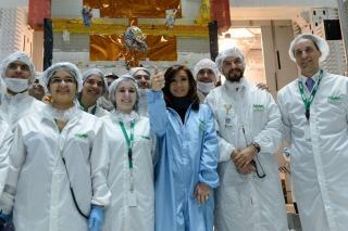 Arsat1: Cristina destacó la inversión del Estado en generar tecnología