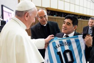 """Maradona y su encuentro con el papa Francisco: """"Se juntaron dos potencias"""""""