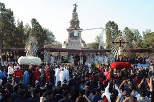 Los fieles recibieron por primera vez la visita del Señor y la Virgen del Milagro