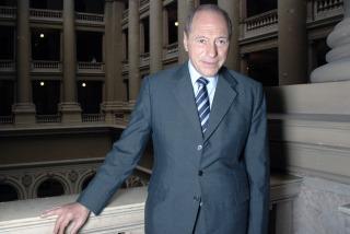 El juez Eugenio Zaffaroni renunció a su cargo en la Corte Suprema de Justicia