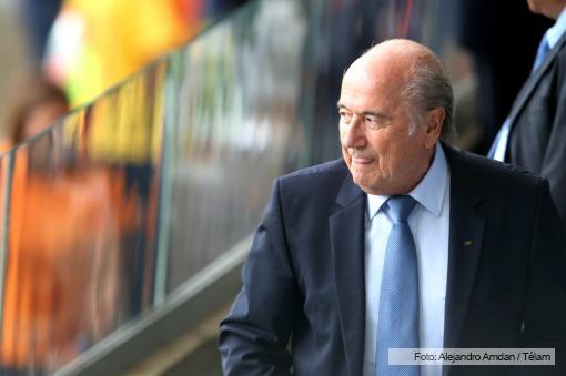 Blatter adelantó que el mundial de Qatar 2022 se jugaría en noviembre