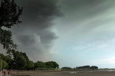 Alerta meteorológica por tormentas fuertes en cuatro provincias - Télam
