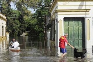 Optimismo de las autoridades por el descenso del río Luján