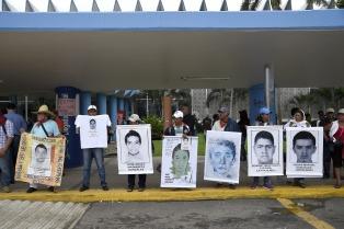 Payasos marcharon para pedir freno a la violencia en Acapulco