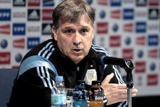 """Martino: """"Hay muchas opciones de que Messi no juegue ante Ecuador"""""""