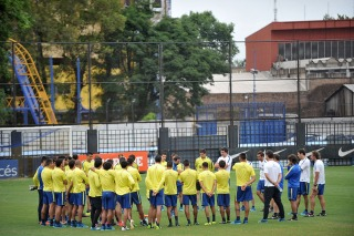 """En Boca se necesitan hombres, no solamente nombres"", dijo Crespi"