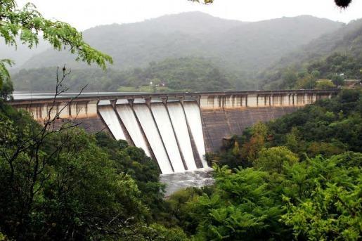 El turismo de verano retorma a Río Ceballos tras varios años de sequía